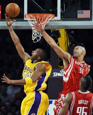 Kobe Bryant Scoring Over Shane Battier and Ron Artest