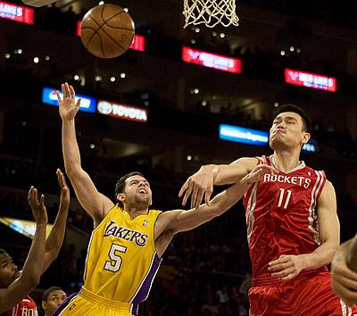 Yao Ming and the Rockets Block Lakers' Jordan Farmar