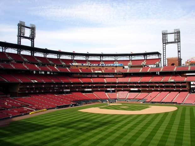 Major league baseball stadiums capacity