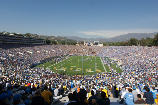 stadiums ucla Top Ten Biggest College Football Stadiums