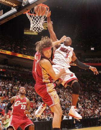 http://sportige.com/wp-content/uploads/2010/04/Dwyane-Wade3.jpg