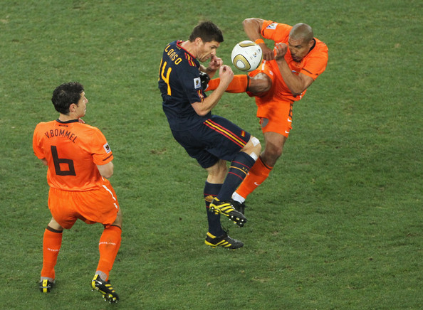 De Jong Alonso Top 9 Photos From the 2010 FIFA World Cup Final