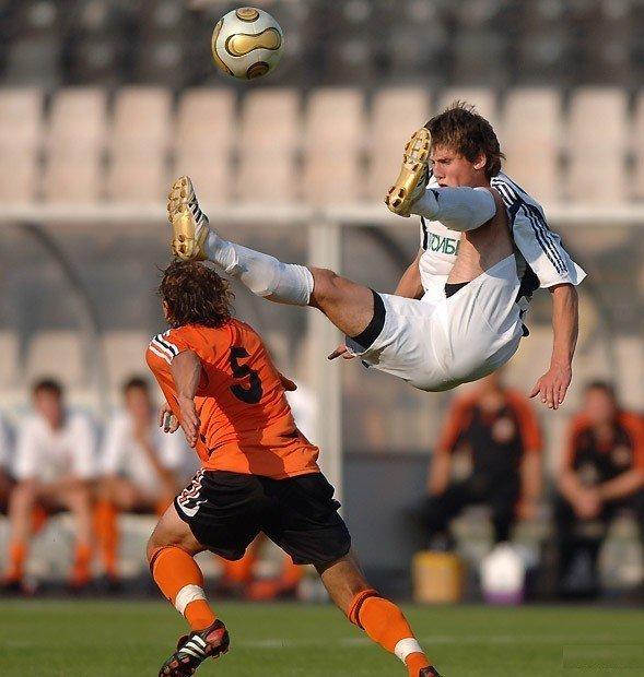 Bad Fall 15 Of the Funniest Soccer Pictures Ever