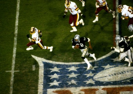 Marcus Allen e1296354615706 The History of the Super Bowl in Pictures Part I
