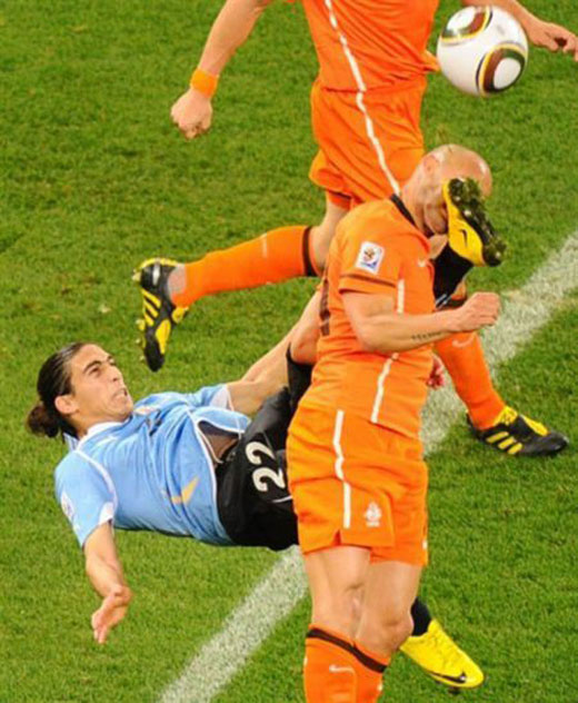Martin Caceres1 15 Of the Funniest Soccer Pictures Ever