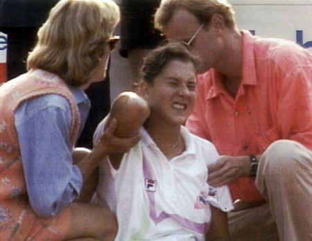 Monica Seles e1299337337624 When Sport Fans Attack