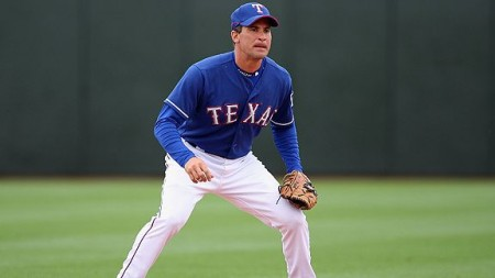 Omar Vizquel e1301336925630 The Ten Oldest Players in MLB Heading into the 2011 Season