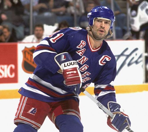 Mark Messier e1317550480635 Top Ten Most Points in NHL History