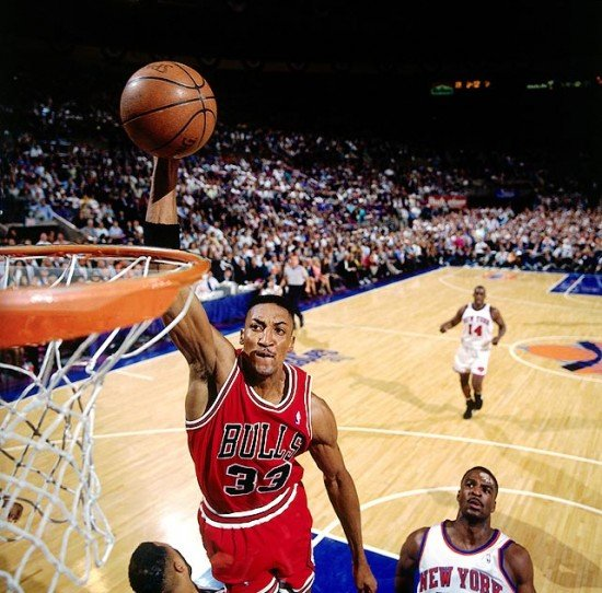 Pippen Dunk e1324815334356 Best Christmas Day Games by NBA Players