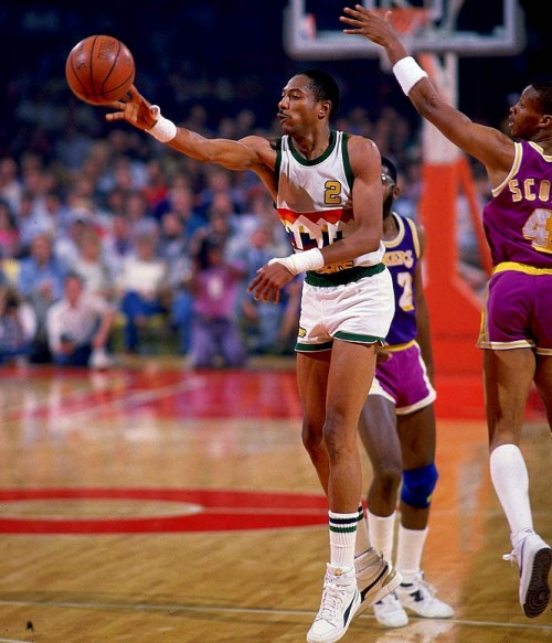 Alex English e1328787413148 NBA Franchises All Time Leading Scorers