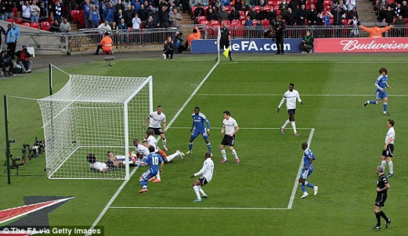 Chelsea Phantom Goal e1334523656174 Chelsea Humiliate Tottenham; Goal Line Technology Was Needed Again