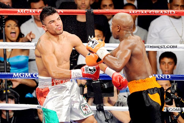 Mayweather Ortiz e1335638296731 9 Fighters Getting Knocked the F&*^ Out