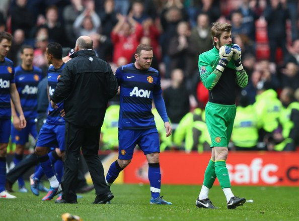 Dejected United Players Highs & Lows of the Insane Finish to the 2011 2012 Premiership Season