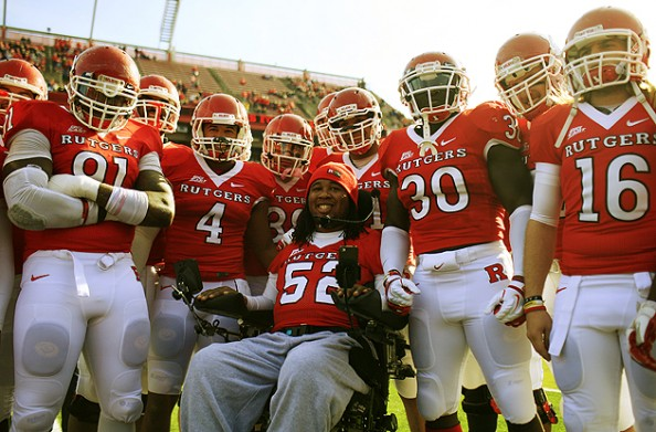 Eric LeGrand e1335970780320 Eric LeGrand Becomes a Tampa Bay Buccaneers Player