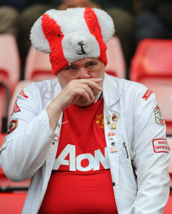 Man United Fan e1336987858604 Highs & Lows of the Insane Finish to the 2011 2012 Premiership Season