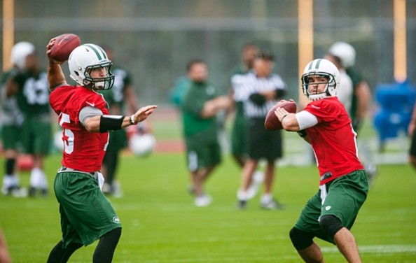 Sanchez Tebow e1337948057350 Tim Tebow Behind in the Quarterback Race From Day 1