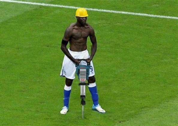 Mario-Balotelli-Meme-e1341096708918.jpg