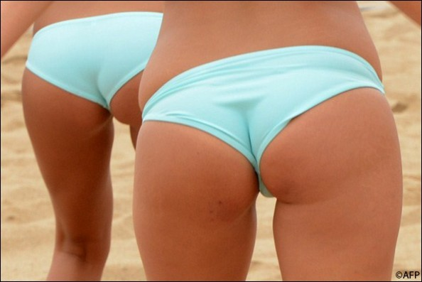 Beach Volleyball Butts e1343214933777 16 Hottest Beach Volleyball Moments we Could Find