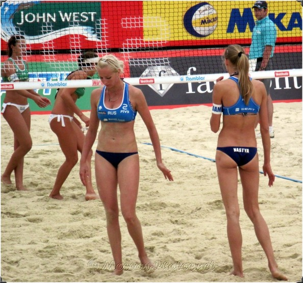 moscow beach volleyball 2010 5 e1343215008591 16 Hottest Beach Volleyball Moments we Could Find