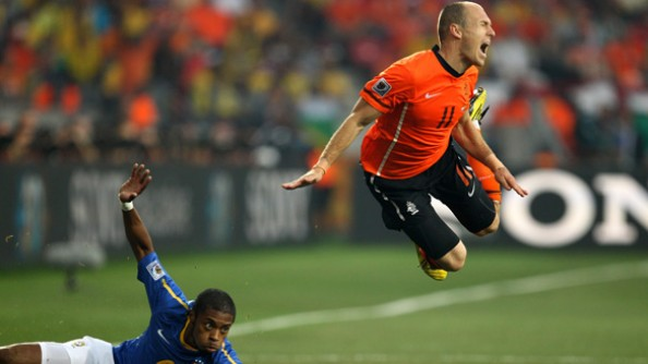 Arjen Robben Dive e1345738235658 13 Most Hated Footballers in the World