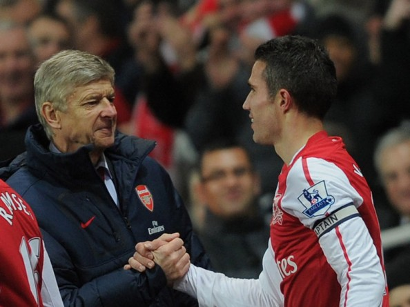 Arsene Wenger Robin van Persie e1345041856920 6 Teams That Must Win the League Title in 2012 2013