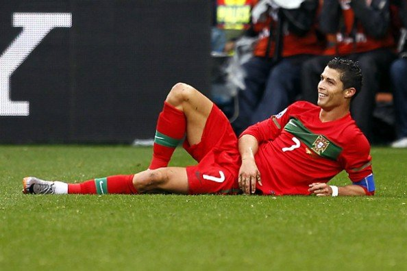 Cristiano Ronaldo Pose e1345737811136 13 Most Hated Footballers in the World