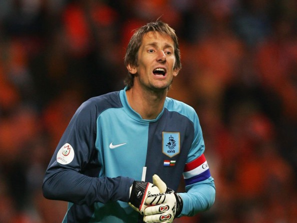 Edwin van der Sar e1350399375395 Most Capped Players for the Top 20 National Teams