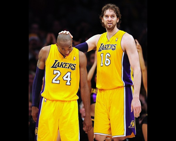 Bryant Gasol1 Los Angeles Lakers   Kobe Bryant Has Nothing to Smile About