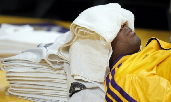 Kobe Bryant2 e1354107294538 Los Angeles Lakers   Kobe Bryant Has Nothing to Smile About
