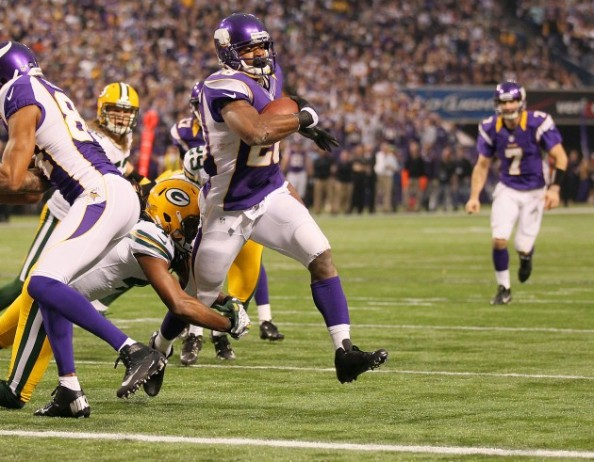 Adrian Peterson Minnesotta e1356952689344 Minnesota Vikings   Adrian Peterson Proves He is the MVP