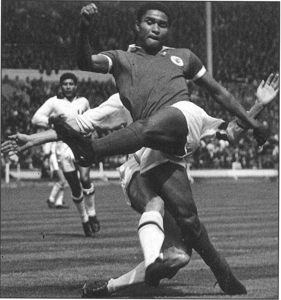 Eusebio Great European Clubs Most Capped Players