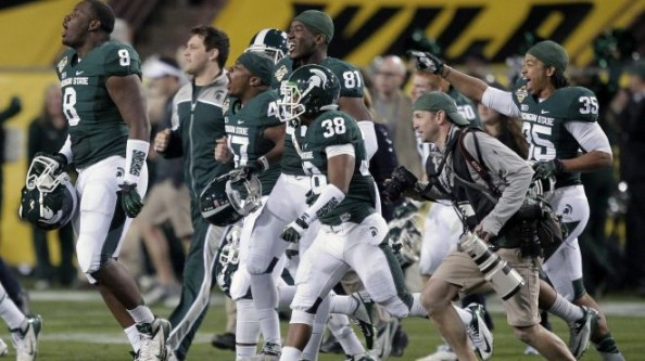 Michigan State e1356868361892 Michigan State Spartans   LeVeon Bell Lays Winning Groundwork
