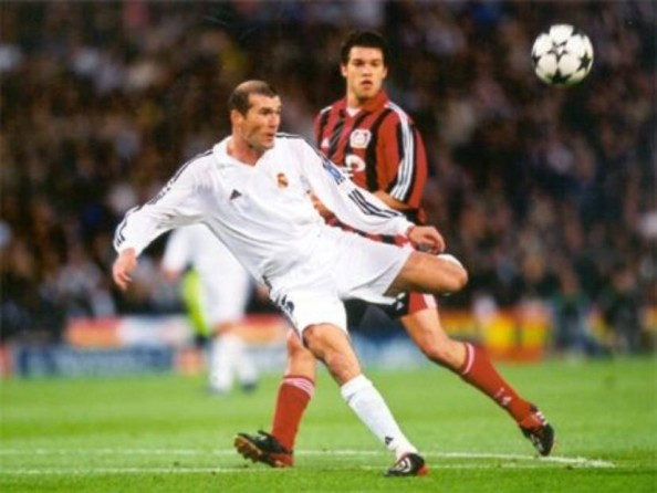 Zinedine Zidane e1355246047780 10 Most Expensive Footballers in History