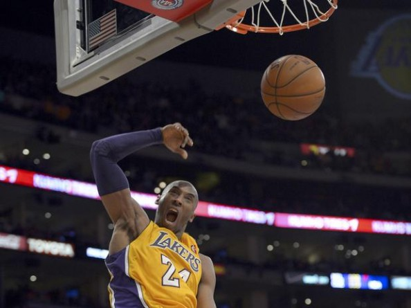 Kobe Bryant Dunk e1359192335496 Los Angeles Lakers   The Change Kobe Bryant Needed to Make