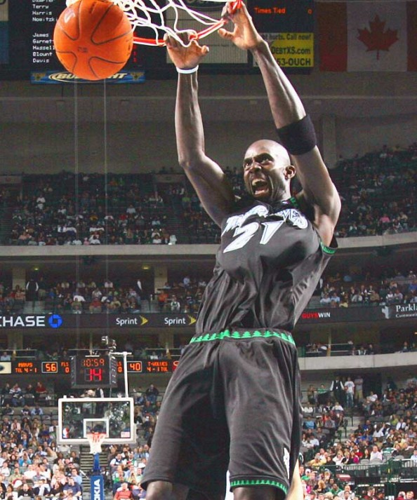 Kevin Garnett e1362409795857 NBA Franchises Longest Winning Streaks