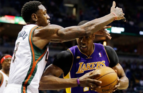 Larry Sanders Dwight Howard e1364556290146 Los Angeles Lakers   An Old & Lazy Bunch of Players, Not a Team
