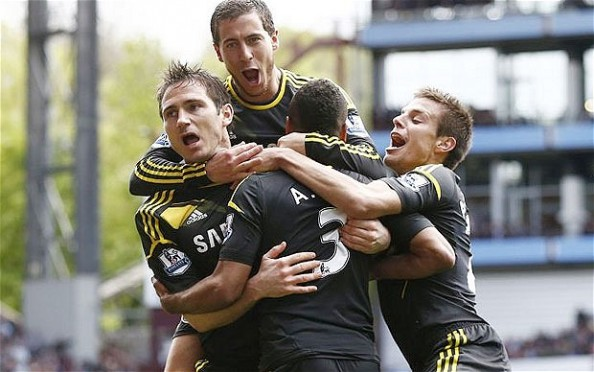 Chelsea Celebrating with Lampard