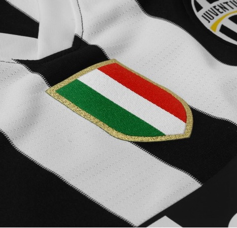 Juventus Crest No Stars The New Juventus Jersey for 2013 2014