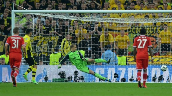 Neuer going the wrong way
