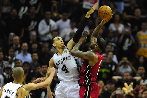 Danny Green Block on LeBron James