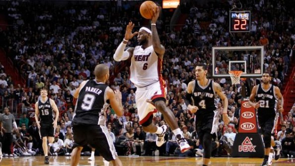 LeBron James vs Spurs