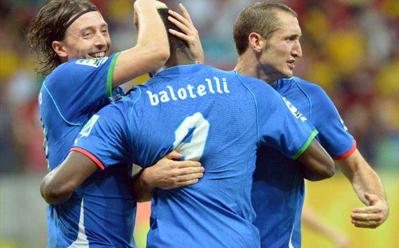 Mario Baltoelli vs Japan