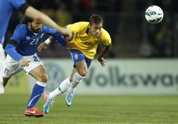 Neymar, Pirlo