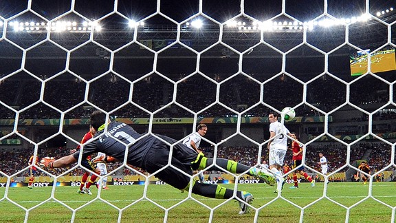 Pedro Opening Goal