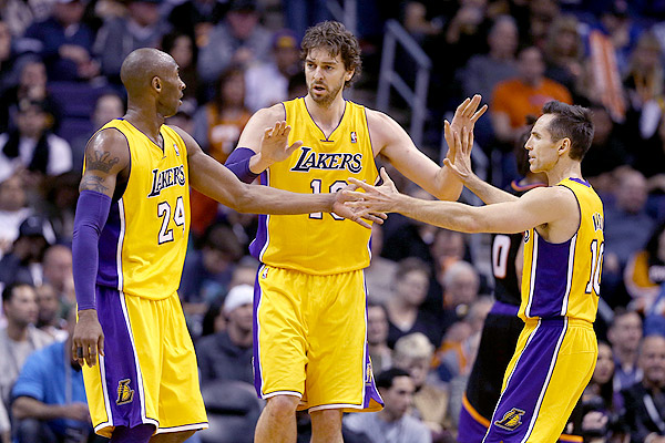 Bryant Gasol Nash Los Angeles Lakers   A Team That Cant Play Defense