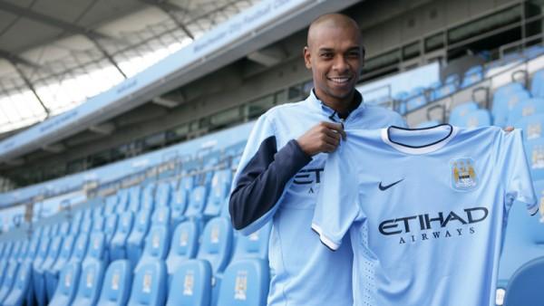 Fernandinho Manchester City