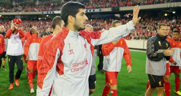 Luis Suarez waving