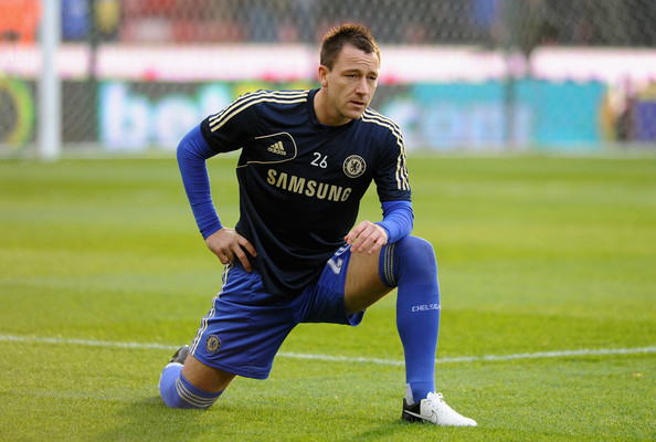 john Terry training Chelsea FC   John Terry Shouldnt Be a Starting Centre Back Anymore