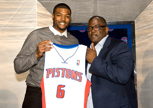 Josh Smith, Pistons Jersey