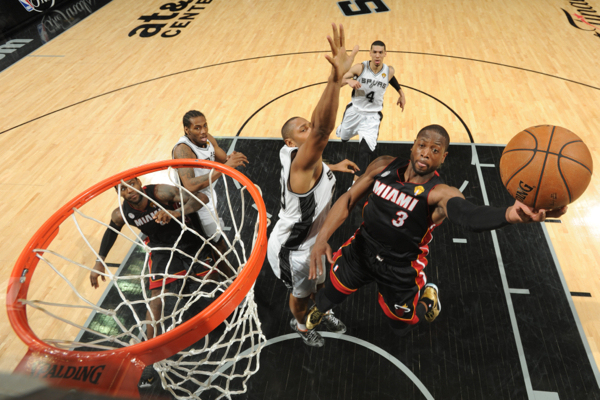 Dwyane Wade vs Spurs